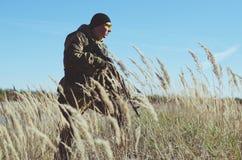 Soldat med i fältet Arkivbilder