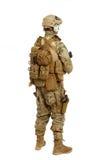 Soldat mit Gewehr auf einem weißen Hintergrund Lizenzfreie Stockfotos