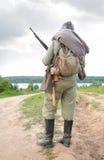 Soldat mit Gewehr im Erscheinen vom ersten Weltkrieg Stockbilder