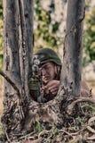 Soldat mit Waffe Stockfoto