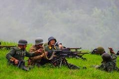 Soldat mit Weinlesemaschinengewehr Stockfoto