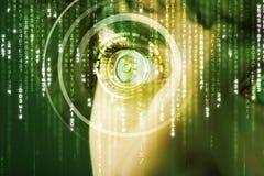 Soldat moderne de cyber avec l'oeil de matrice de cible photo libre de droits