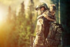 Soldat som hem går tillbaka Royaltyfri Bild