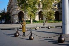 Soldat sur la patrouille par la Chambre du Parlement, Budapest Photographie stock