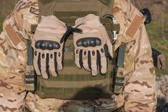 Soldat in vollem NATO-Abschluss herauf Bild Lizenzfreie Stockfotos