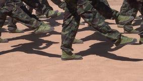 Soldaten auf Parade am Nationaltag stock footage