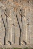 Soldaten des historischen Reiches mit Waffe in den Händen Stockbilder