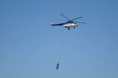 Soldaten genommen mit dem Hubschrauber Lizenzfreies Stockfoto