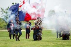 1700 Soldaten im Kampf mit Flaggen Lizenzfreies Stockbild