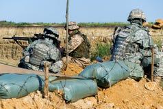 Soldaten am Prüfpunkt Lizenzfreie Stockbilder