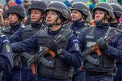 Soldater från gendarmeri i bildande arkivfoton