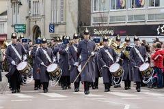Soldater från regemente 9, den kungliga logistiska kåren marscherar till och med Chippenham Royaltyfri Fotografi