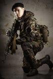 Soldater i likformig Royaltyfria Bilder