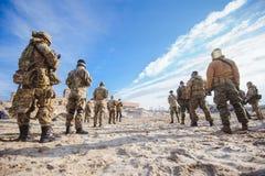 Soldater i utbildning Arkivfoton