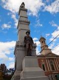 Soldater och sjömanmonument i nya Bloomfield Pennsylvania arkivbild
