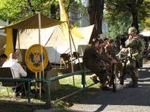 Soldati davanti alla tenda Fotografia Stock Libera da Diritti