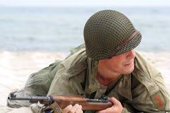 Soldato americano strisciante Fotografie Stock