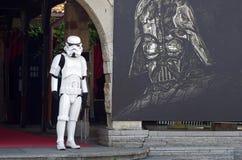 Soldato di cavalleria di Star Wars davanti al museo del cinema Fotografia Stock Libera da Diritti
