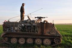 Soldato israeliano sul veicolo munito Fotografie Stock Libere da Diritti