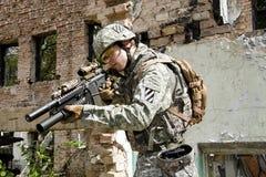 Soldato nell'azione Fotografie Stock