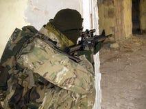 Soldato nell'azione Fotografia Stock Libera da Diritti