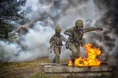 Soldato polacco durante l'addestramento sul terreno di gioco Immagine Stock Libera da Diritti