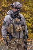 Soldato in uniforme militare moderna fotografia stock