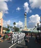 Soldats de la cavalerie de tempête impériaux de Star Wars aux studios de Hollywood, Orlando, FL photos libres de droits