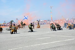 Soldats de marine en fonction Photos stock