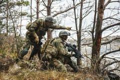 Soldats norvégiens dans la forêt Images stock