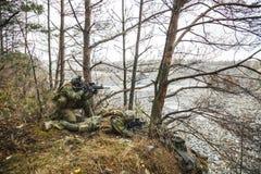 Soldats norvégiens dans la forêt Images libres de droits