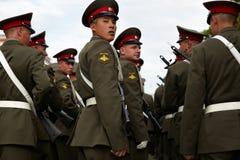 Soldats russes à la répétition de défilé Photographie stock libre de droits