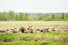 Soldats soviétiques dans le fossé Photographie stock libre de droits