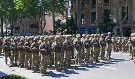 Soldats sur le défilé militaire. Tbilisi. La Géorgie. Image libre de droits