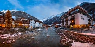 Solden Ski Resort Skyline i morgonen, Tirol, Österrike Arkivbild