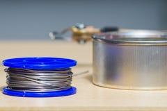 Solderende hulpmiddelen, tin, soldeerbout, hars Stock Afbeelding