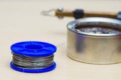 Solderende hulpmiddelen, tin, soldeerbout, hars Royalty-vrije Stock Afbeeldingen