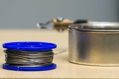Solderende hulpmiddelen, tin, soldeerbout, hars Stock Foto