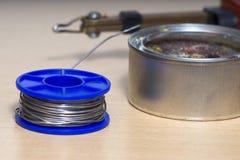 Solderende hulpmiddelen, tin, soldeerbout, hars Royalty-vrije Stock Afbeelding