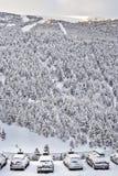 SOLDEU,安道尔- 2017年2月14日:雪带来的汽车在 免版税图库摄影