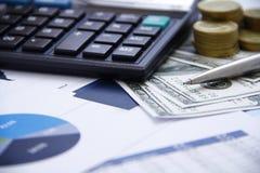 Soldi di concetto di finanza, grafico, moneta, Fotografia Stock Libera da Diritti