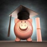 Soldi di risparmio al giorno di laurea Immagine Stock