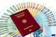 Soldi di viaggio come fan dei soldi di euro note Fotografia Stock
