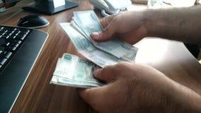 Soldi Fatture contanti Affare - in tensione stock footage