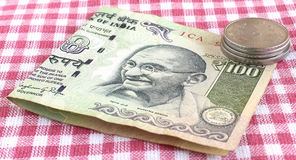 Soldi indiani cento rupie Fotografia Stock Libera da Diritti