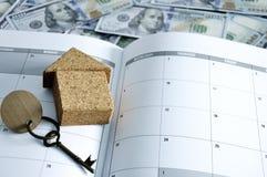 Soldi mensili di pianificazione e di risparmio per finanza di affari di spesa ed il concetto di prestito Immagine Stock