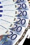 Soldi - particolare delle 20 un euro note Fotografia Stock