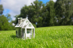 Soldi per una nuova casa Immagine Stock Libera da Diritti