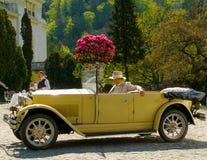 Soldi ricchi di alta classe della vecchia automobile dell'automobile di modo Immagine Stock Libera da Diritti