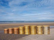 Soldi sulla spiaggia Fotografia Stock Libera da Diritti